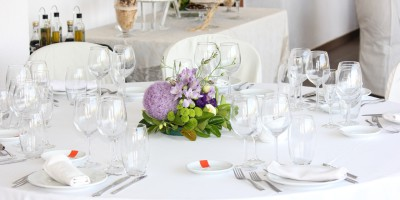 przepiękne dekoracje ślubne na stoły
