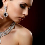 Z jakich okazji daje się kobietom biżuterię